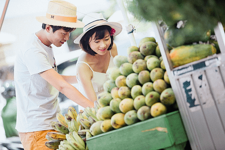 singaporeans-at-supermarket-covid-home-safety-tips